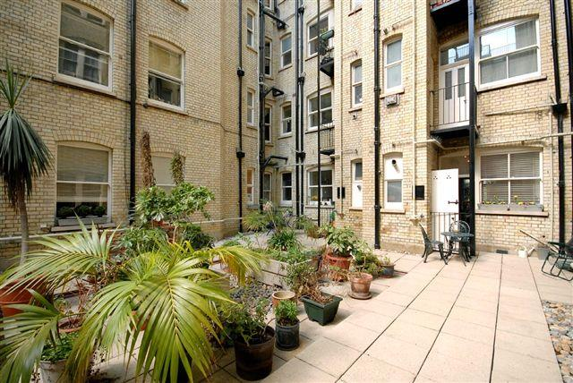 3 Bedrooms Flat for sale in Kensington House, Prince of Wales Drive, London, SW8